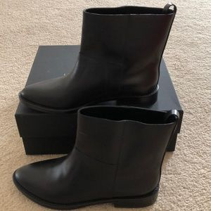 Theory theyskens' cropped boot size 6 (EU 36)